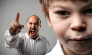 educare i figli: essere troppo autoritari
